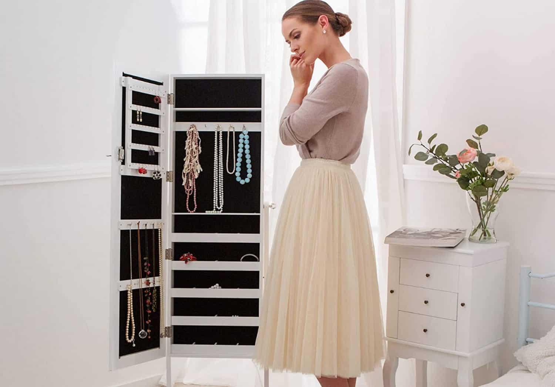 Comparatif pour choisir la meilleure armoire à bijoux sur pied